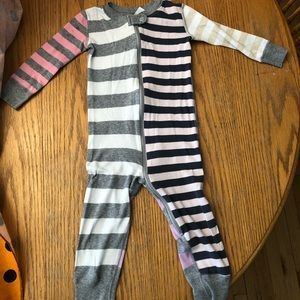 Hanna Andersson ZIP up pajamas 2T